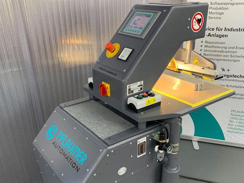 Schwalbach Hochfrequenzanlage mit Herfurth HG1500 Generator. Hochfrequenz-Leistungsregelung mit Siemens S7 und Touchscreen.